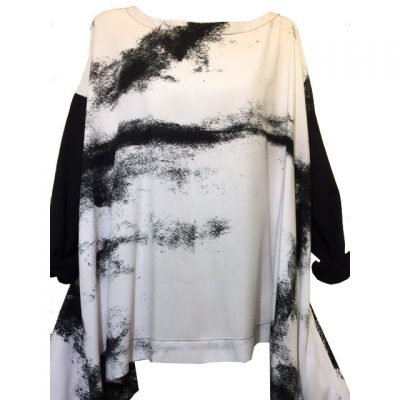 Moyuru – Black & White Handcrafted Print Top with Asymmetric Sides